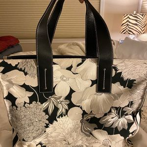 Burberry large tote